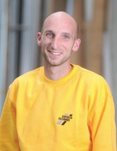 Tobias Tonello<br />Stuckateurmeister<br />Ausbildungsleitung<br />Im Betrieb seit 2002<br />Mobil: 0163 7708491